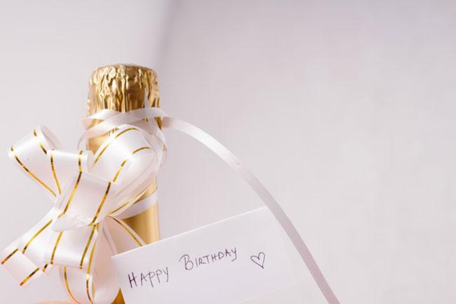 特別な日に指名客への恩返し♪男性がもらって喜ぶプレゼントは?
