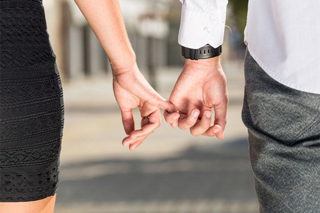 キャバクラ嬢は「既婚者」と「独身」の男性どっちが接客しやすい?